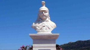 Ι.Μ. Κυθήρων: Επιμνημόσυνη δέηση και κατάθεση στεφάνων στο μνημείο του ΘεόδωρουΚολοκοτρώνη