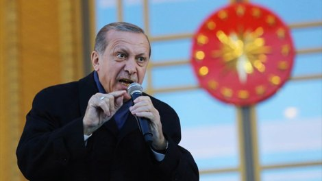 Η Τουρκία δημιουργεί τετελεσμένα ώστε να μας σύρουν στη Χάγη