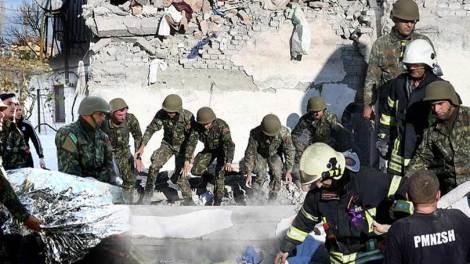 Κόσμος | Εικόνες καταστροφής και απόγνωσης στην Αλβανία