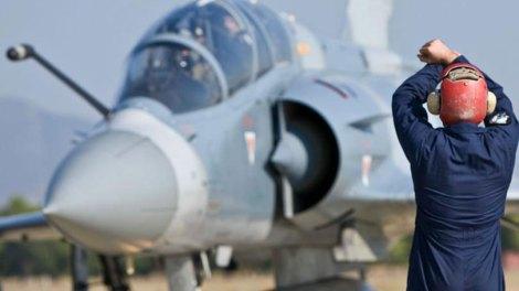 Εικόνες ντοκουμέντο: Καταδίωξη τουρκικού F-16 από ελληνικό Mirage στο Αιγαίο