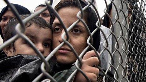 Η Ευρώπη κάνει την Ελλάδα πειραματόζωο και στο μεταναστευτικό