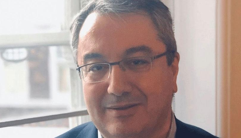 Ηλίας Μόσιαλος: Μεταδίδουν τον κορωνοϊό οι εμβολιασμένοι;