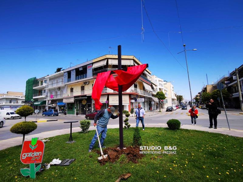 nayplio-stavros-3-metrwn-ypswthike-sto-kentro-tis-polis (9)