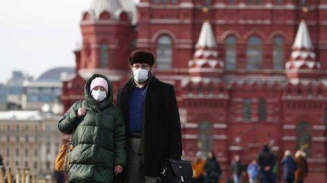 Ρωσία: Πιθανός ο μαζικός εμβολιασμός κατά του COVID-19 το φθινόπωρο