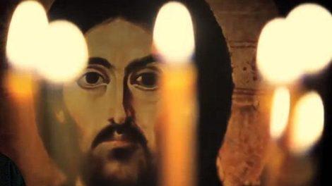 Ο παπα Γιώργης εκφώνησε το «Άνω σχώμεν τας καρδίας…» και τότε, σ' αυτή την στάσι κοκάλωσε!!!