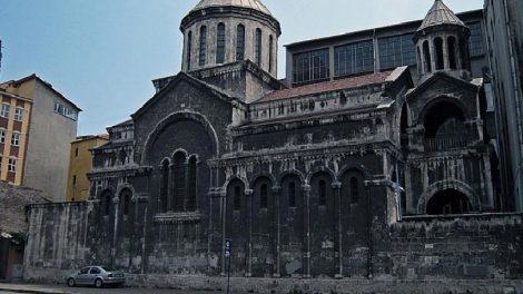 Επιθέσεις σε εκκλησίες στην Τουρκία - «Οι Χριστιανοί ευθύνονται για τον κορωνοϊό» λένε φανατικοί