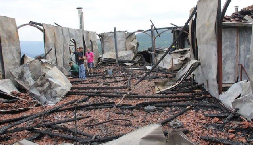 Ιερά Μονή Παναγίας Βαρνάκοβας: Η επόμενη μέρα από τη μεγάλη πυρκαγιά ΒΙΝΤΕΟ