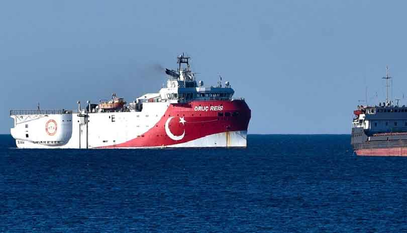 Τουρκικές κινήσεις αποκλιμάκωσης στο Καστελόριζο και παιχνίδια στο Twitter