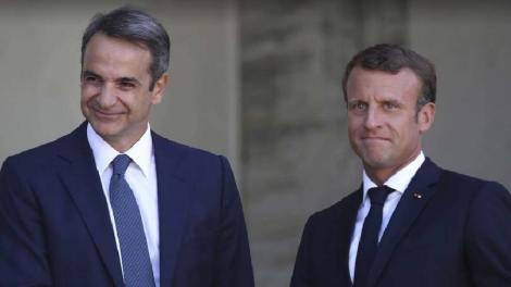 Ευχαριστώ Μητσοτάκη σε Μακρόν για τη στήριξη της Γαλλίας