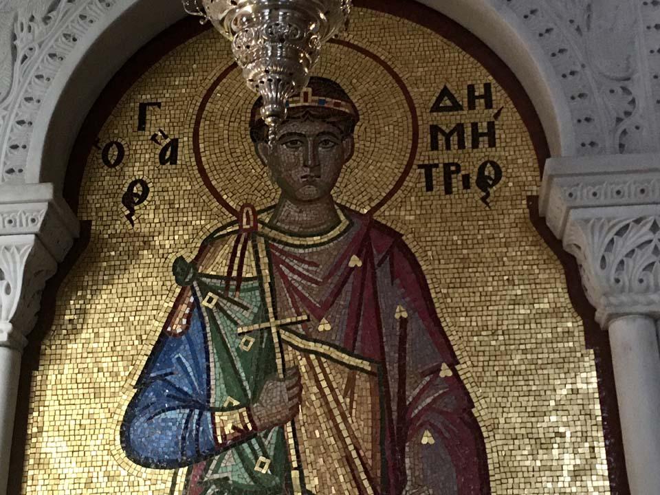 Άγιος Δημήτριος ΤΩΡΑ - ΦΩΤΟ από την κάρα του Αγίου Δημητρίου που μυροβλύζει