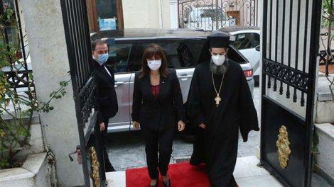 Η Πρόεδρος της Ελληνικής Δημοκρατίας στον Αρχιεπίσκοπο