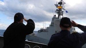 Δείτε εντυπωσιακές εικόνες και βίντεο από τη συνεκπαίδευση μονάδων του Πολεμικού Ναυτικού και Αεροσκαφών της Πολεμικής Αεροπορίας με την SNMG 2.