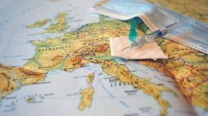 Ευρωπαϊκή Ένωση και AstraZeneca σε σφοδρή αντιπαράθεση για το εμβόλιο