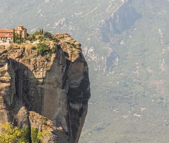 Μετέωρα: Κλείνουν ναοί και αρχαιολογικοί χώροι