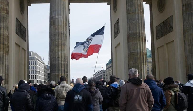 Γερμανία: Διαδήλωση κατά των μέτρων για την πανδημία στη Στουτγκάρδη