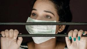 Η πανδημία πλήττει τα ανθρώπινα δικαιώματα