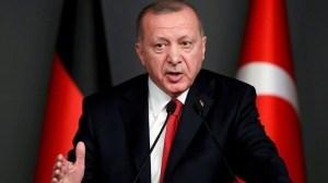 Και τρίτη δόση του εμβολίου έκανε ο Ερντογάν - Σφοδρές αντιδράσεις στην Τουρκία