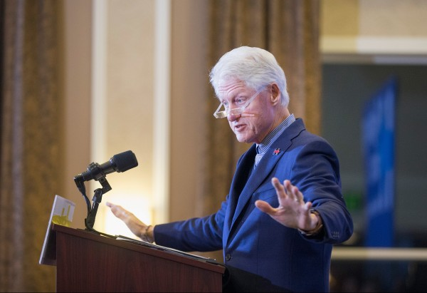 Bill-Clinton-GettyImages-503909552-e1453762840630-600×411