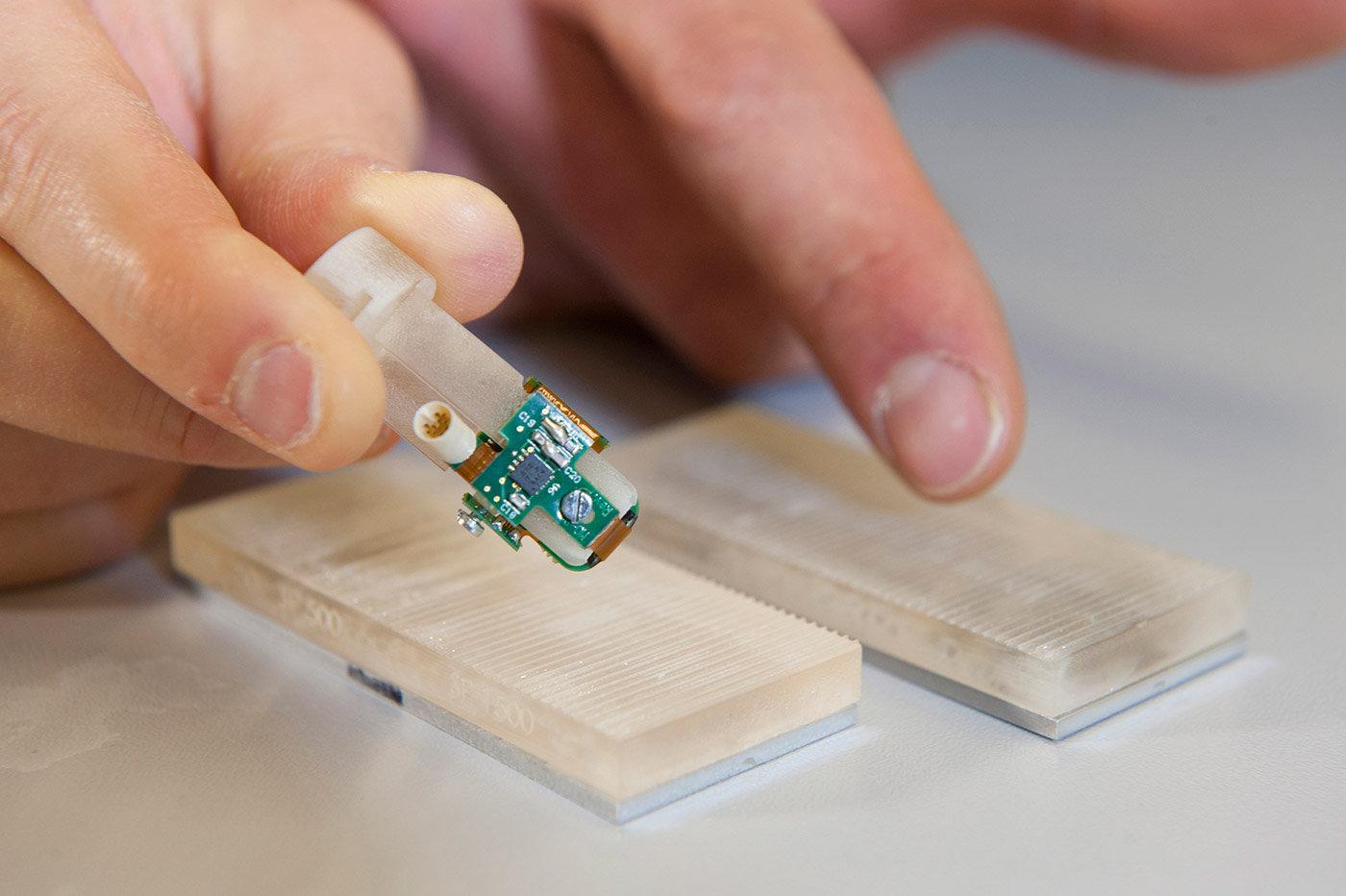 bionic-fingertip-lede
