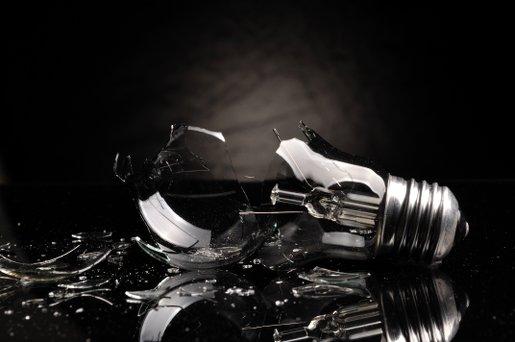 broken-lightbulb_CHONESS-ISTOCK