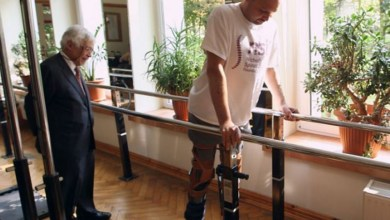 Photo of Study: Paralyzed men relearn leg motion, giving hope for spine-injury improvement