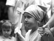 copiii-la-slujbele-bisericii