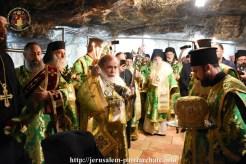 FOTO-Patriarhul-Teofil-în-procesiune-pe-Golgota-de-Înălțarea-Sfintei-Cruci-12.x71918