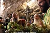 FOTO-Patriarhul-Teofil-în-procesiune-pe-Golgota-de-Înălțarea-Sfintei-Cruci-9.x71918