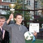 """Biserica susține activitățile sportive dedicate tinerilor: Tinerii voluntari ai Mitropoliei Moldovei au participat la Campionatul de Minifotbal """"Cupa Preturii"""" din Capitală"""