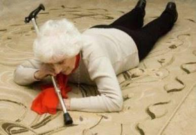 Quedas são a principal causa de fraturas em idosos