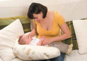 Poduszka ortopedyczna rogal dla matek karmiących Valde B80