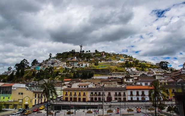 Hügel Panecillo mit Jungrfrau - Quito