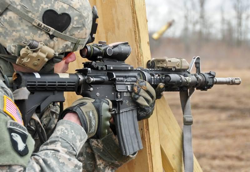 Karabin 5.56mm Colt M4