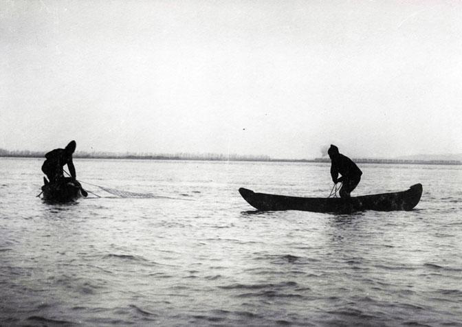 Mihailo Petrović na Dunavu. Arhiva Srbije