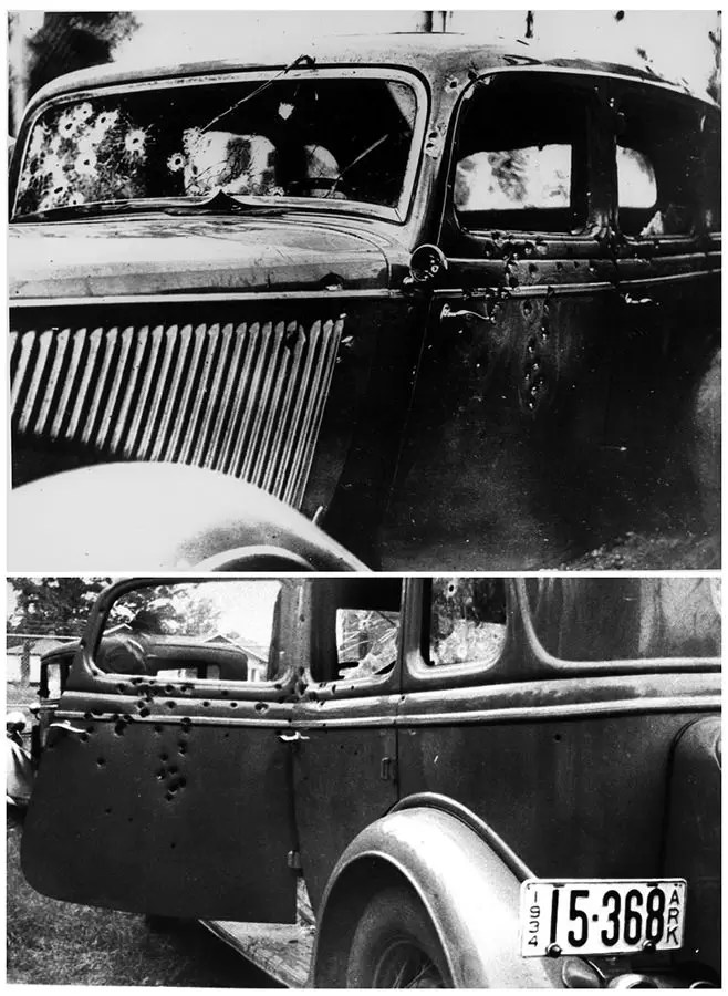 Kola Boni i Klajd nakon dejstva policije 23 maja 1934