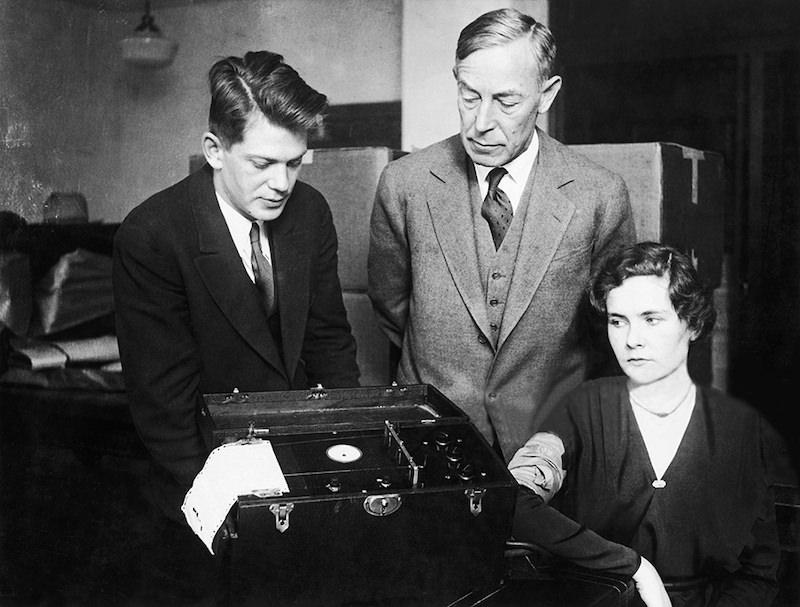 Kiler sa svojim poligrafom 1932 godine.