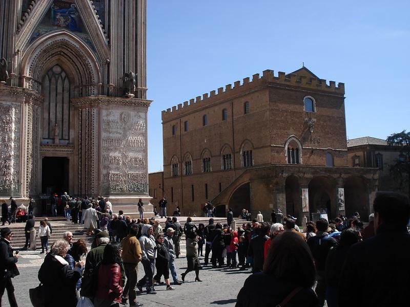 """Presenze di Pasqua in Umbria, Federalberghi-Confcommercio: """"Sarà una definitiva resurrezione per il turismo"""""""