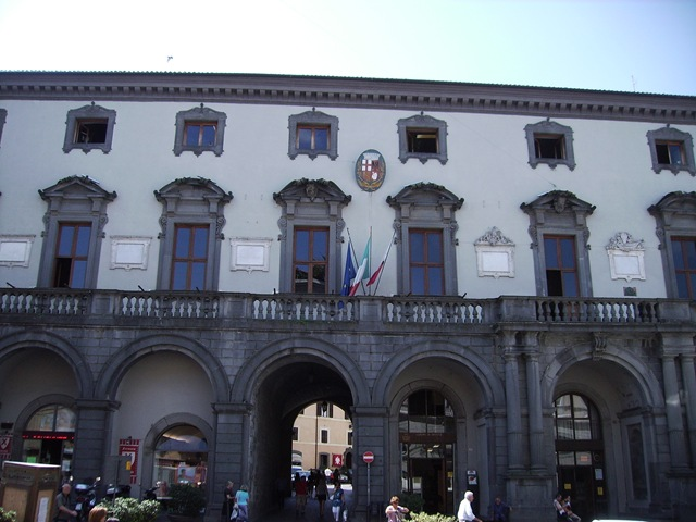 Nuovo assetto organizzativo del Comune di Orvieto. Meno dirigenti e impiegati
