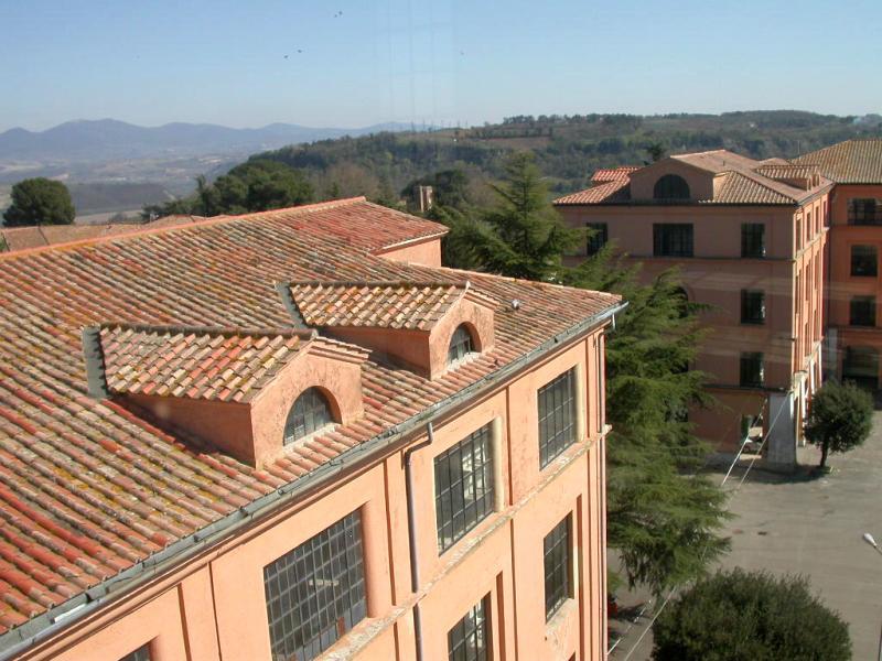 Da ieri è ufficialmente in vendita la palazzina comando dell'ex caserma Piave ed i giardini