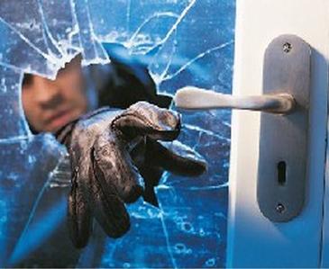 Rapina in casa a Montecchio, 72enne presa a schiaffi e pugni