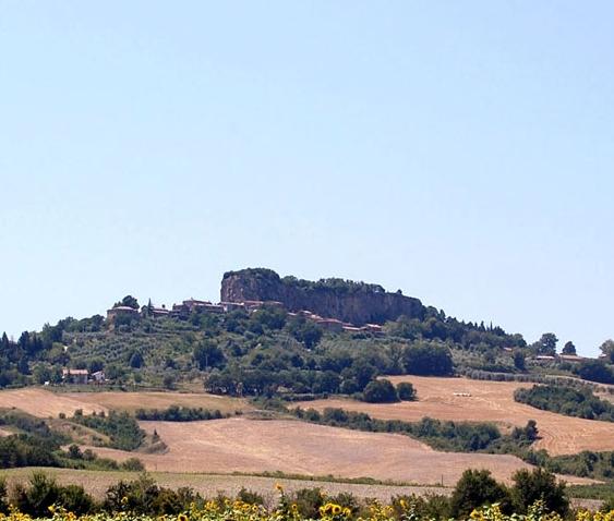 """Rocca Ripesena. Associazioni ambientaliste e cittadini ricorrono al giudice contro la """"cementificazione"""""""