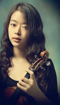 FESTIVAL INTERNAZIONALE VALENTINIANO Oggi il ritorno di DAMI KIM, straordinario talento che torna al Festival con un prezioso Stradivari del 1726