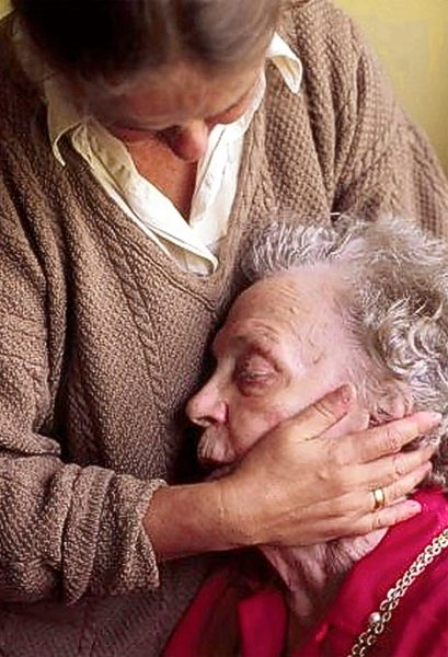 Alzheimer: una malattia che colpisce anche le istituzioni