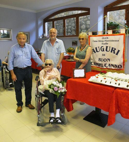 Alla Casa della Divina Provvidenza è festa per i 105 anni di Teresa