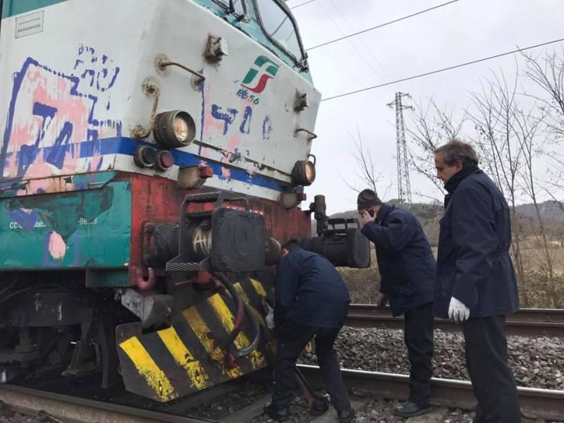 Un centinaio di viaggiatori bloccati per tre ore su un treno tra Fabro e Orvieto. Il servizio