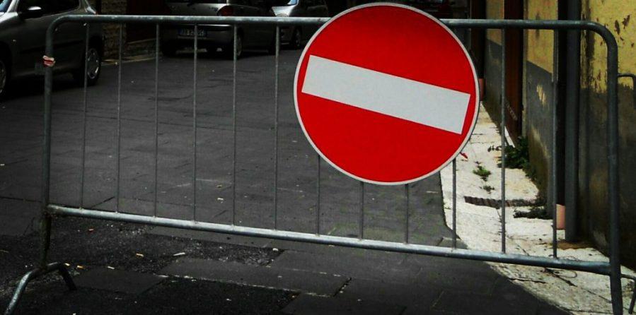 Via San Francesco e Sant'Anna allo Scalo, divieto di transito e sosta