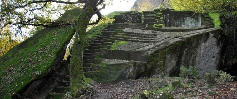 I misteri degli Etruschi alla Piramide di Bomarzo e sul ciglio del vulcano, a Bolsena