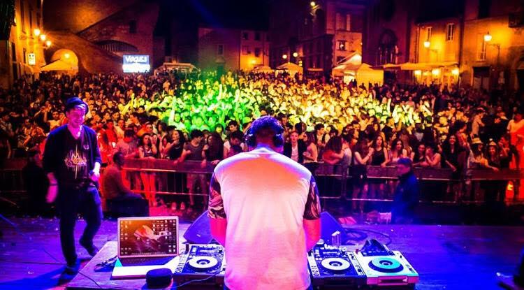 Un successo con migliaia di persone in Piazza del Capitano del Popolo per il Festival dello Studente