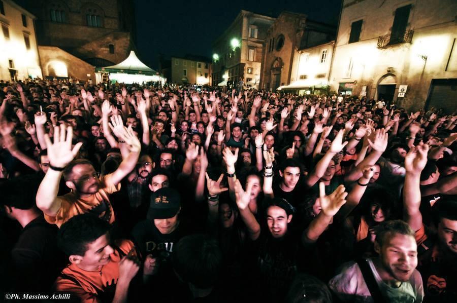 La Sicilia apre l'XI edizione di Umbria Folk Festival. Sul palco anche la compagnia locale de La Panatella