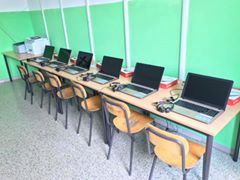 A Montecchio una scuola a passo coi tempi, dieci nuovi pc portatili per l'aula multimediale